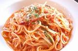 カプレーゼ(バジルととろけるチーズのトマトスパゲティ)