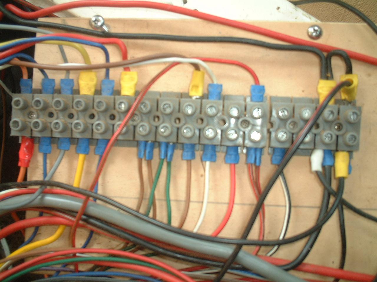 カリビアン28電気配線記憶用写真1