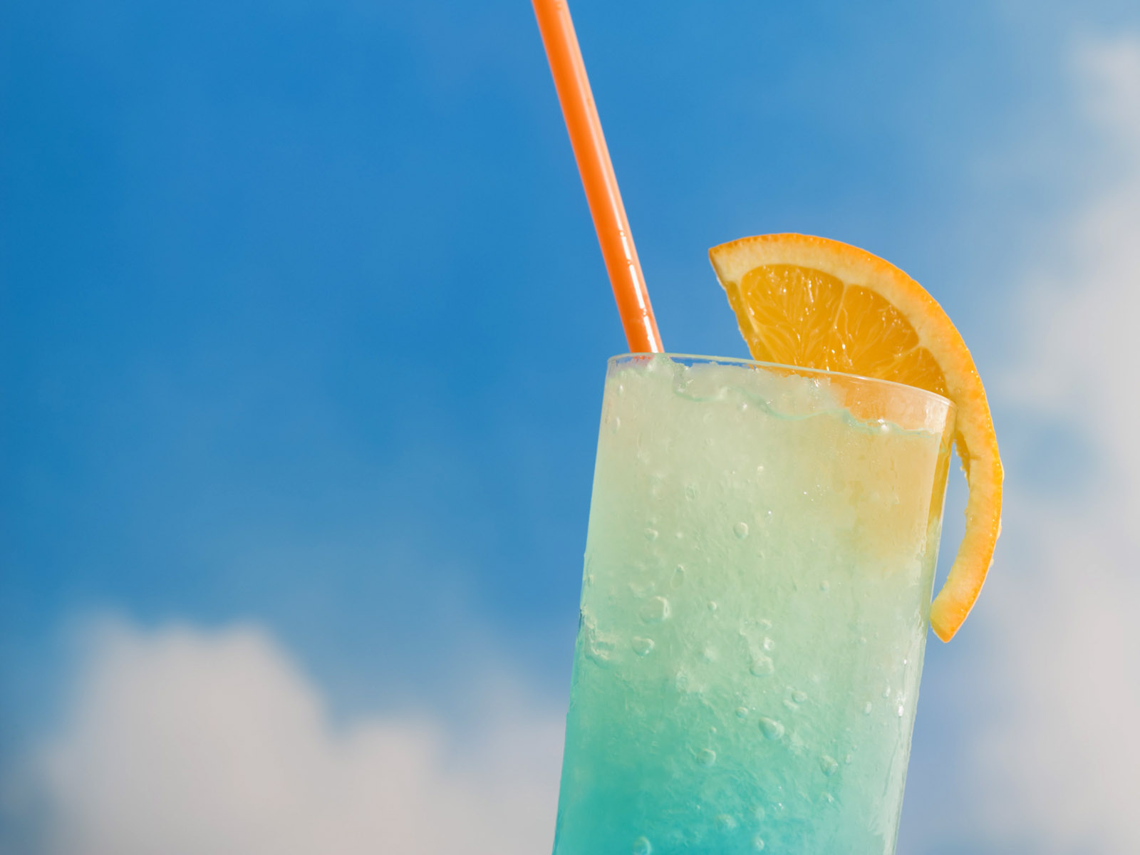 氷たっぷりのジュースで涼しく