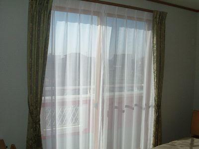 寝室掃出窓