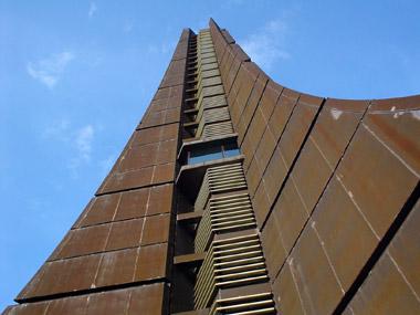 北海道百年記念塔2