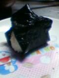 真っ黒な海苔おにぎり