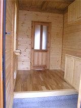 玄関部分  床:天然石 ?