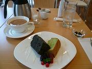 QUALIS(クオリス)*江戸菜・竹炭シフォンケーキとミルクティー