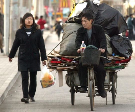 several_ways_to_transport_garbage_in_china_14