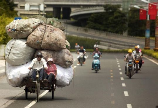 several_ways_to_transport_garbage_in_china_13