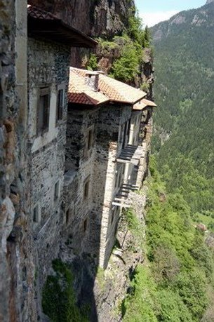 cliff-buildings-31