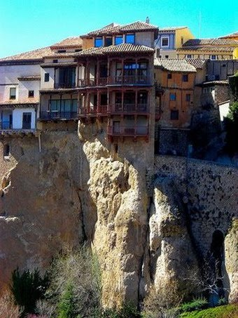 cliff-buildings-19