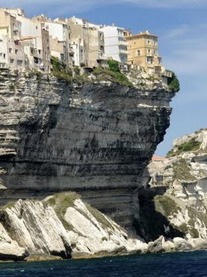 cliff-buildings-07