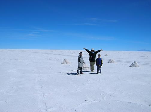 世界最大の塩湖・ボリビアのウユニ塩湖