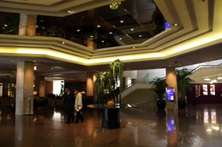 中国・上海・静安寺の「上海ヒルトンホテル(上海希尓頓飯店)」