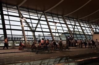 中国・上海浦東国際空港 第2ターミナルビル