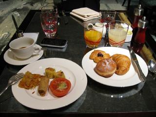 中国・上海 ザ・ポートマン・リッツ・カールトン上海の朝食