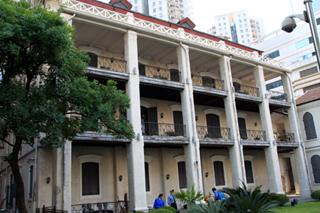 中国・上海 徐家匯「雲峰画廊」(Wan Fung Art Gallery)