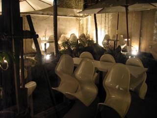 中国・上海 静安寺のカフェバー&レストラン「a Future Perfect(ア フューチャー パーフェクト)」
