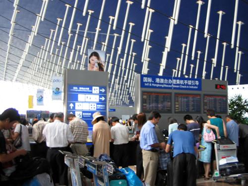 浦東国際空港内の風景