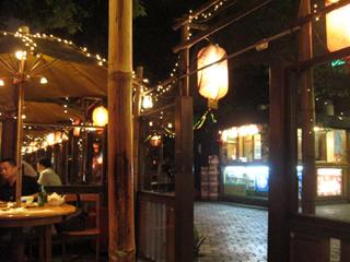 中国・上海のカジュアル飲茶「避風塘」静安寺