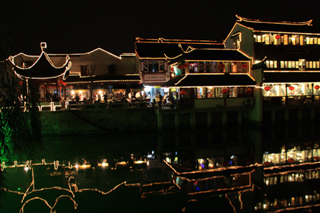 中国・上海に近い水郷「七宝古鎮」チーパオ
