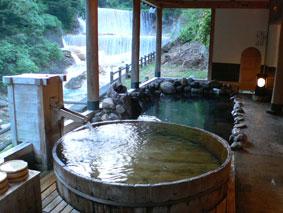 土湯温泉「山水莊」の露天風呂の写真