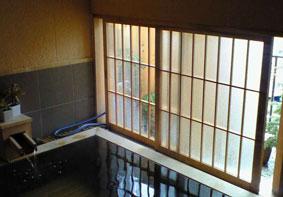 土湯温泉「ニュー扇屋」の貸し切り露天風呂