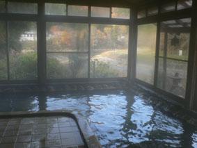 黄色に濁った源泉が魅力的な宮下温泉「栄光館」