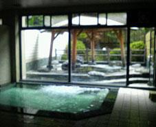 猫啼温泉「井筒屋」の内湯と露天風呂