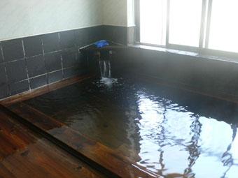 秘湯「米澤屋」の温泉(木のぬくもりが最高)