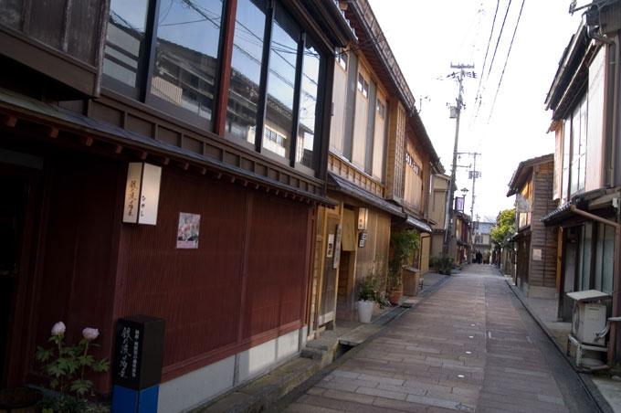 東茶屋街でオトナごっこ (金沢)