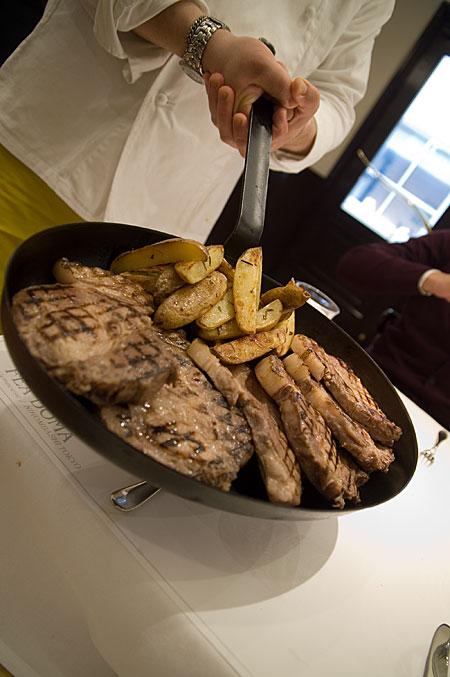 豚肉とフライパン