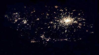 宇宙ステーションから見た世界の大都市の夜景01
