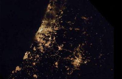 宇宙ステーションから見た世界の大都市の夜景15