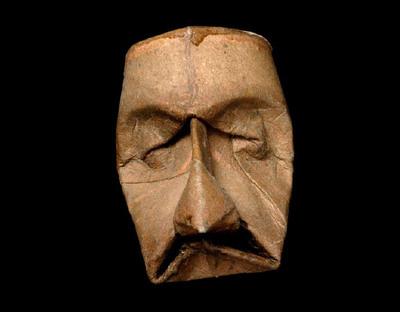 トイレットペーパーの芯で造った顔アート02