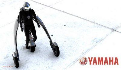 変形・装着するバイク03