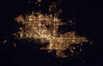 宇宙ステーションから見た世界の大都市の夜景20