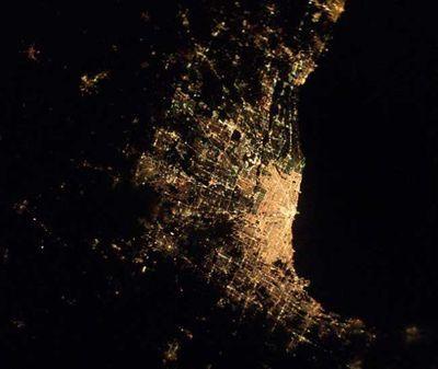 宇宙ステーションから見た世界の大都市の夜景08