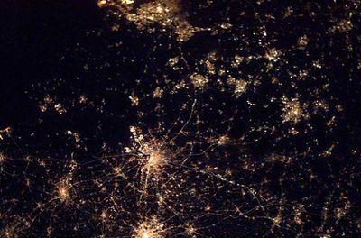 宇宙ステーションから見た世界の大都市の夜景07