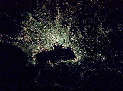宇宙ステーションから見た世界の大都市の夜景09