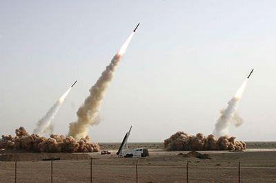 合成がバレたイランのミサイル発射、画像の加工がエスカレート02