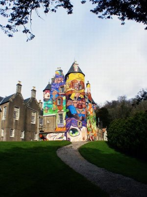 落書きされたスコットランドの古城04