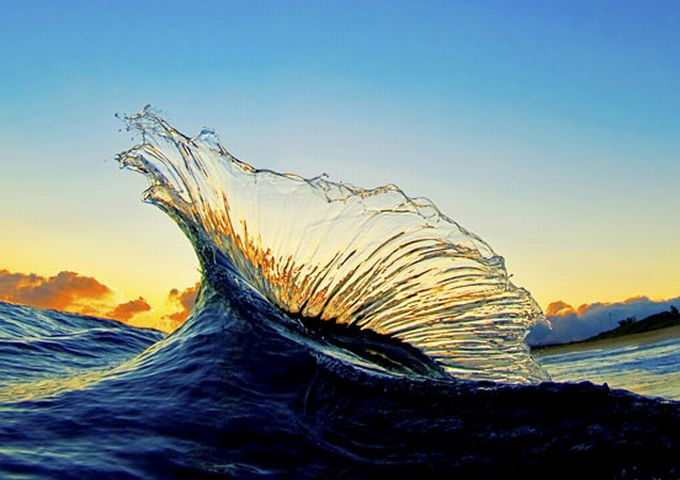 そこは波の中…あまりにも美しい...