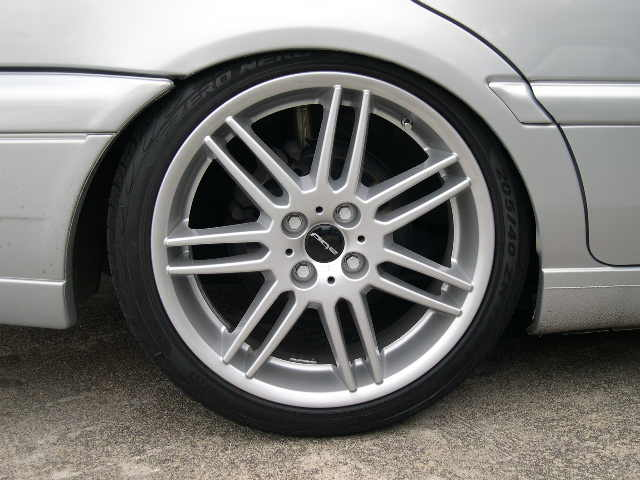 BMW MINIの純正ホイルを加工装着。