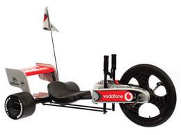 マクラーレン・メルセデス、F1スタイルの三輪車「ターボツイスト」
