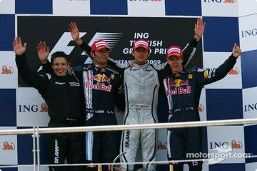 トルコGP表彰台、ジェンソン・バトン、マーク・ウェバー、セバスチャン・ヴェッテル