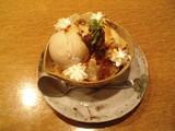 武屋食堂・さとうきびアイスとわらび餅のパフェ