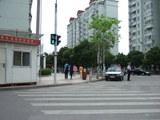中国出勤時交差点にいたポリス.jpg