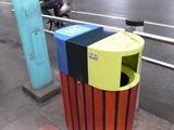 中国上海 ゴミ箱.jpg