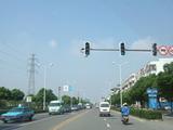 中国 電線がない道路.jpg