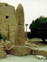 オベリスク太陽神殿