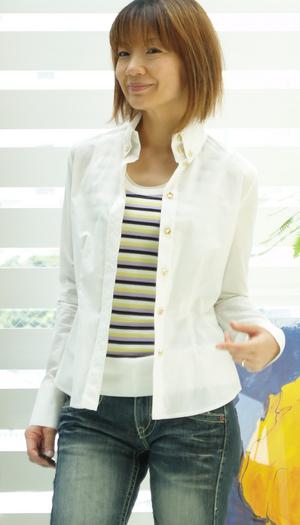 白シャツを アマミユウキのように 着る