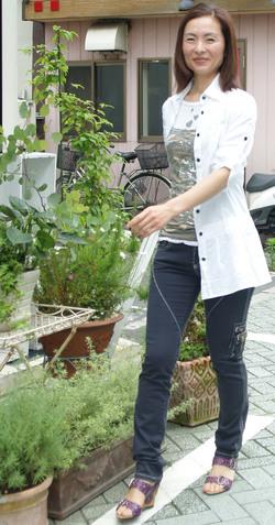 アンナケリーのシャツ白